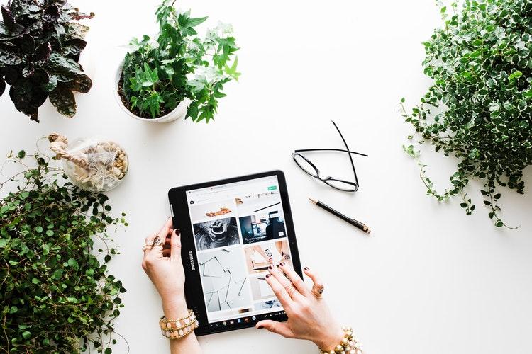 Teknologi Retail Populer Untuk Website Toko Online